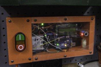 Automatycznie uruchamiany wyciąg do pyłów dzięki Arduino