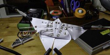 Motyl origami wykonany z elastycznego PCB