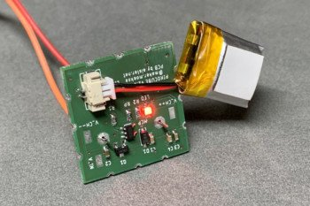 Sposób podłączenia baterii do płytki zasilającej