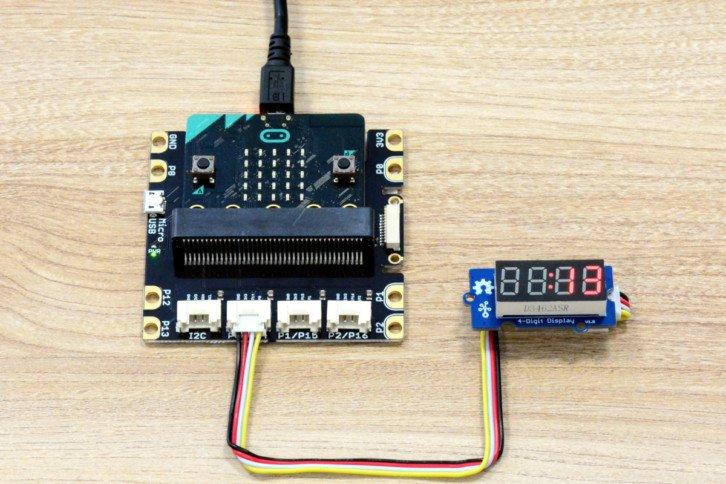 Pierwsza wersja prostego stopera – wyświetlacz wskazuje 13 sekund