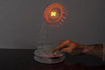 Lampa w trybie emitowania koloru czerwonego