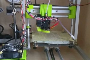 Drukarka 3D wydrukowana na samej sobie