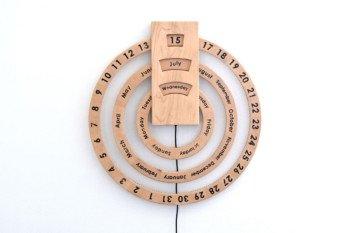 Wieczny drewniany kalendarz DIY sterowany przez Arduino