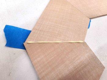 Sposób klejenia kawałków drewna