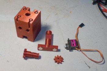 Budowa karetki z magnesami i serwomechanizmem