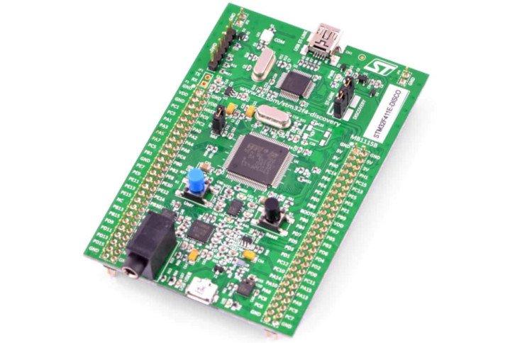 Złącze audio na płytce STM32F411E-DISCOVERY (w lewym dolnym rogu)