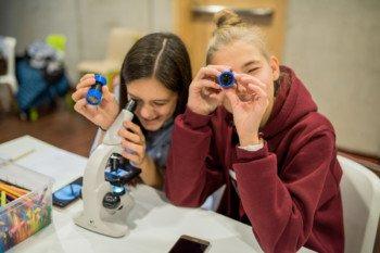 E(x)plory: ruszyły programy wspierające Młodych Naukowców