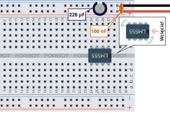 Krok 1: kondensatory i NE555