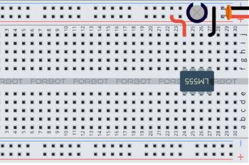 Krok 2: podłączenie zasilania NE555