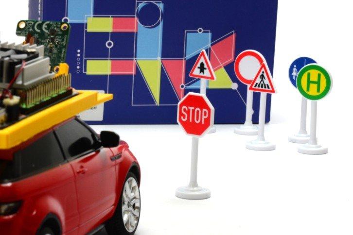 Platforma testowa – mały samochód RC z Asus Tinker Edge T i kamerą