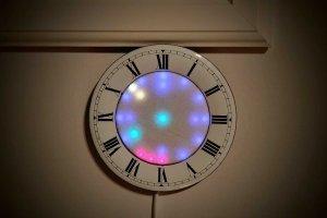 Wskazówkowy zegar diodowy