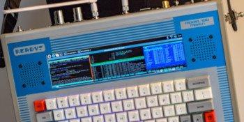 READY! MODEL 100 zamieni malinkę w przenośny komputer