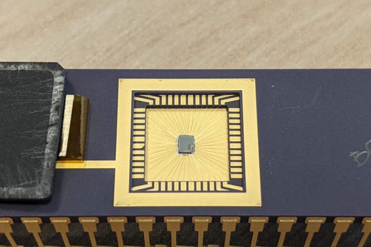 Raspberry Pi RP2040 w wygodnej obudowie do montażu przewlekanego