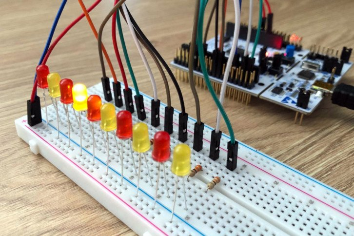 Linijka LED, czyli jeden z (pozornie prostych) przykładów z tej części kursu